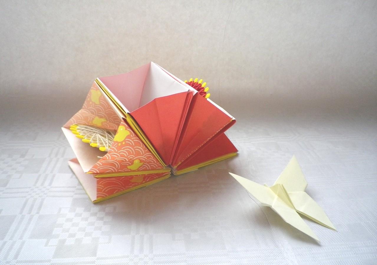 Akkordeon-Box von Ayako Kawate