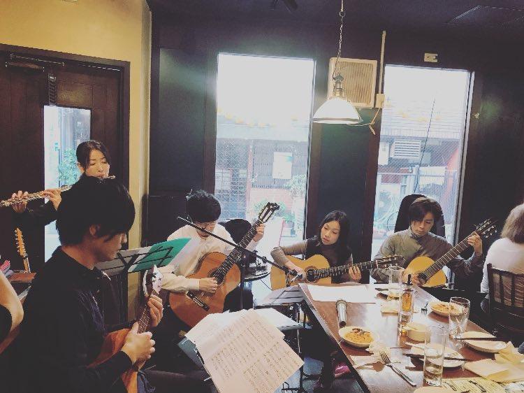 高田馬場フェリーハ ギター ウクレレ フルート