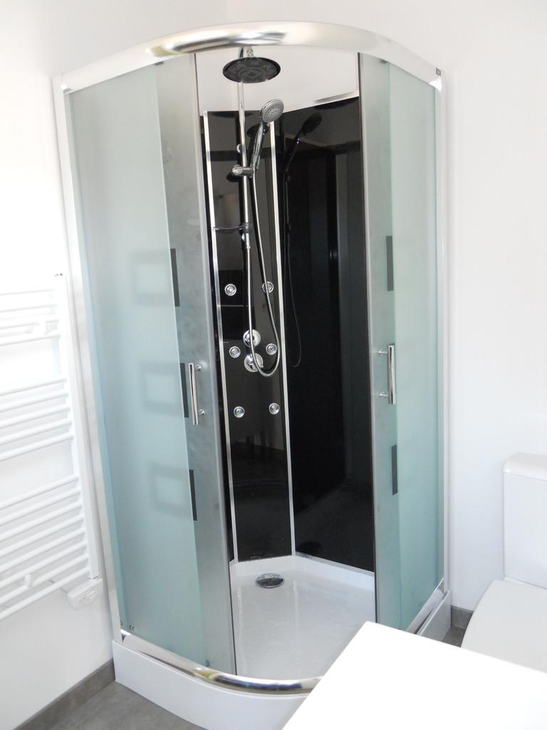 Détail cabine de douche