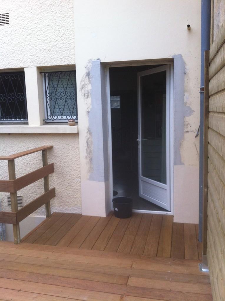 Détail accés terrasse par porte cuisine