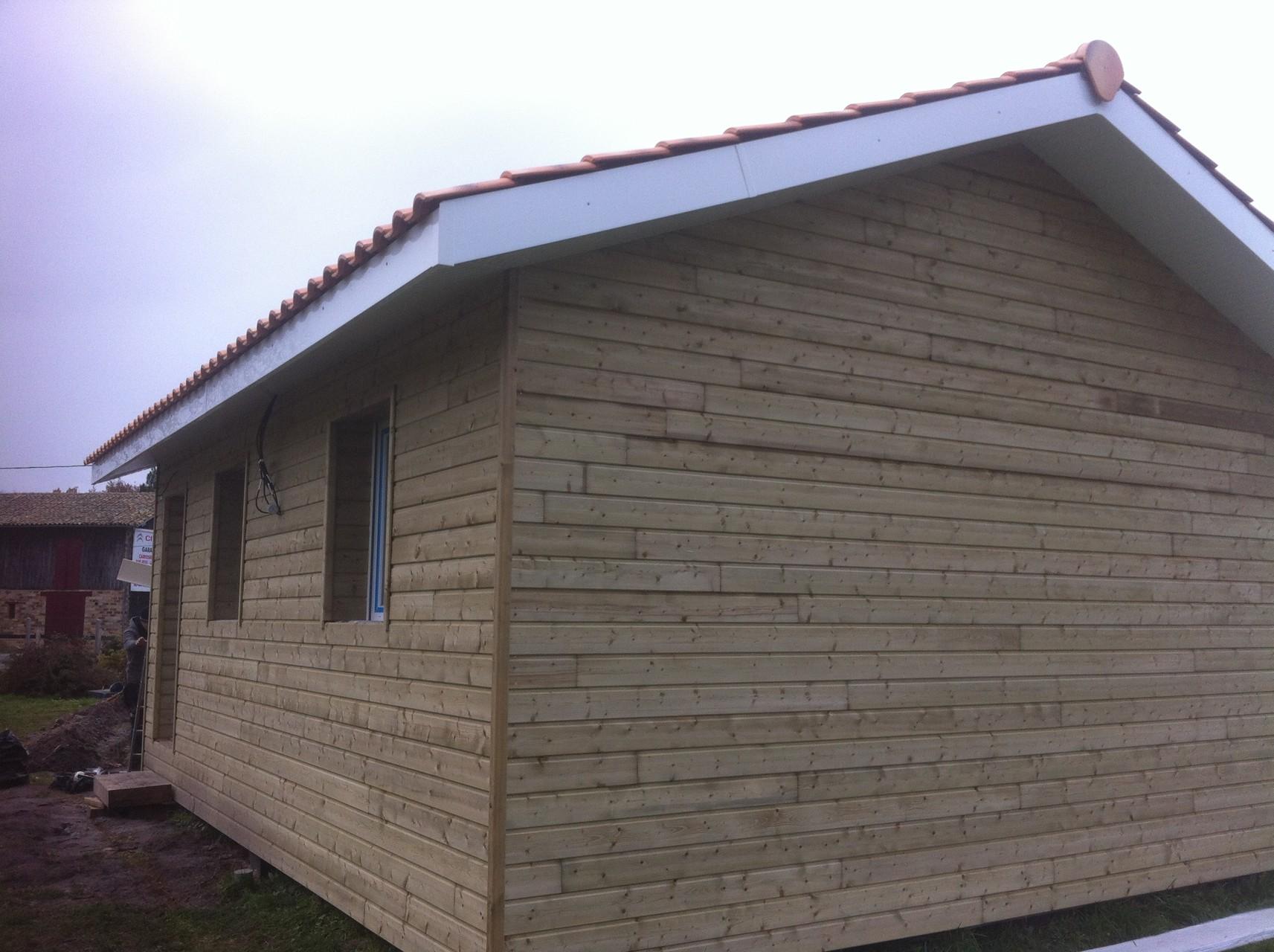 Sous-faces de toit et bardage en place