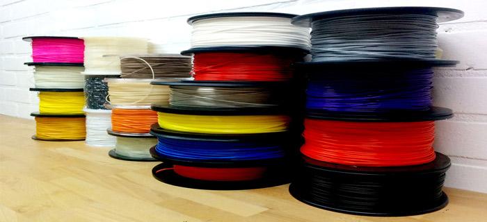 Varios fabricantes ofrecen diferentes versiones de filamento de ABS.