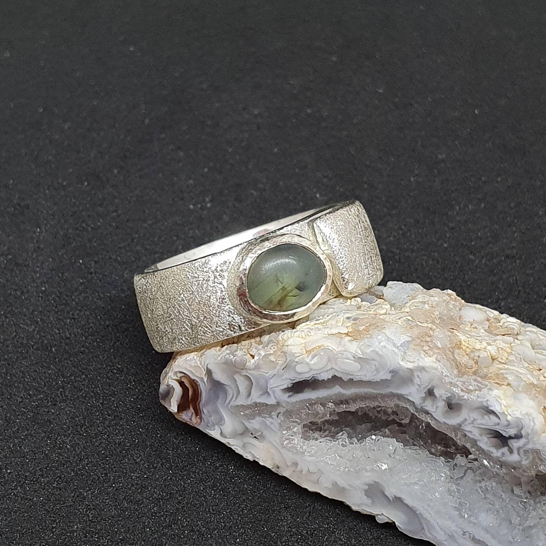 Zilver en saffierkristal