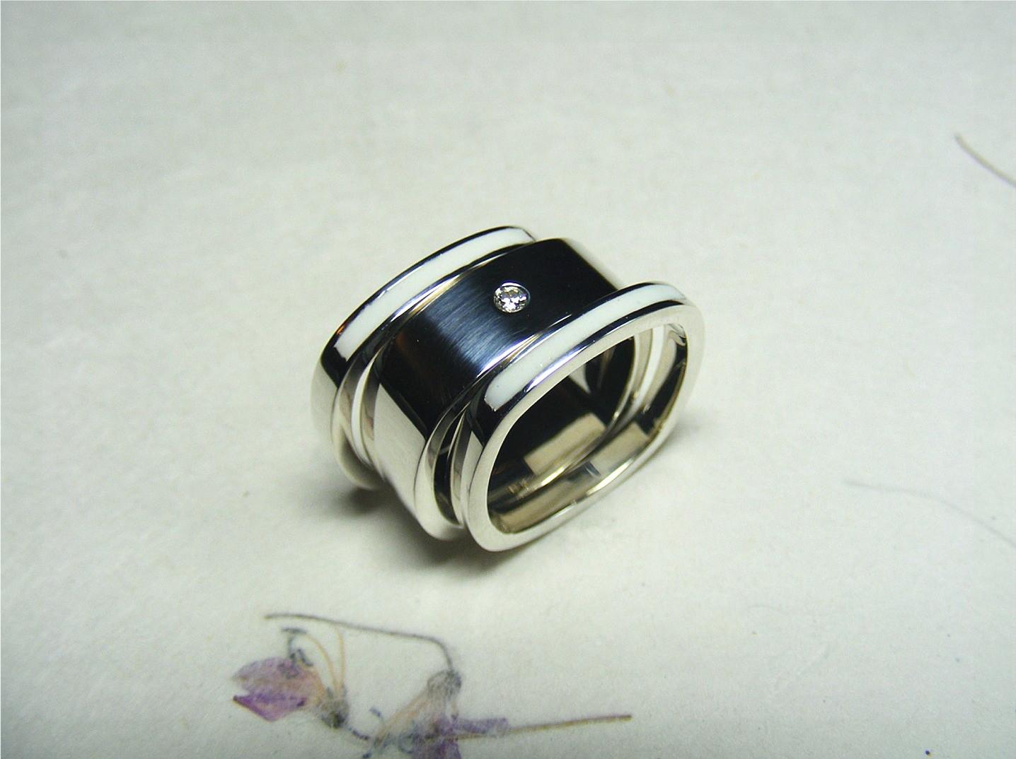 zilver, diamant en witte acrylhars