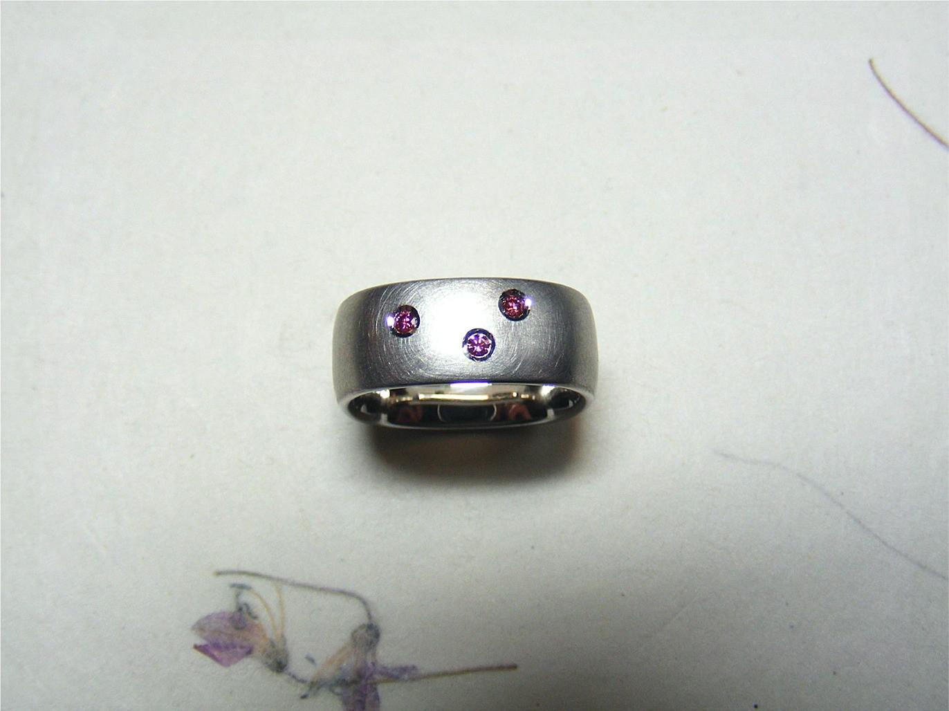 gerhodineerd zilver en roze diamanten