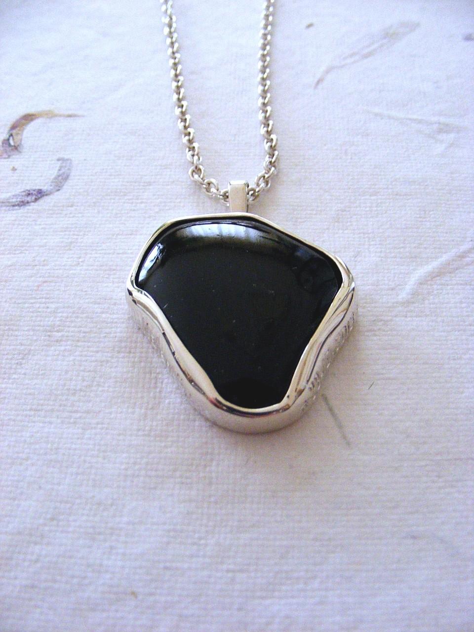 zilver, zwarte toermalijn en handgravure