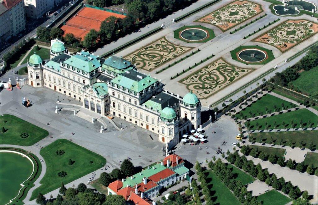 Wien, Oberes Belvedere. Foto: Stefanie Grüssl / BHÖ / Mit Dank an die BMI-Flugpolizei.