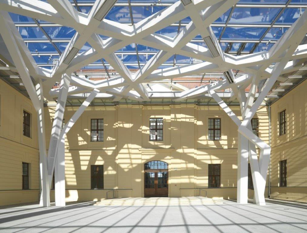 Glashof. © Jüdisches Museum Berlin / Foto: Jens Ziehe