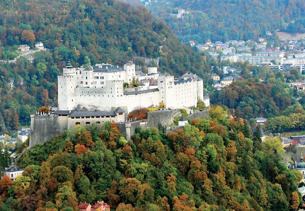 Salzburg, Festung Hohensalzburg. Foto: Stefanie Grüssl / BHÖ/ Mit Dank an die BMI-Flugpolizei.