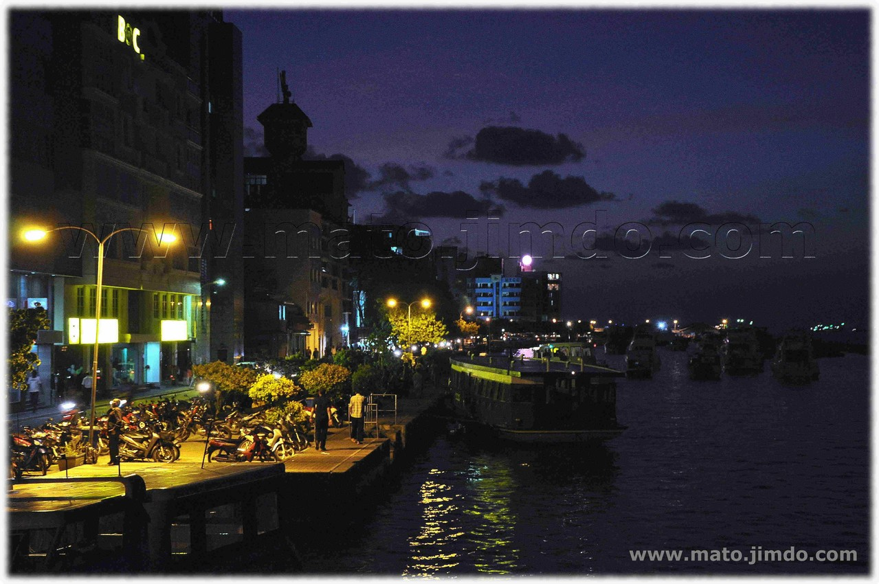 Malé by night - (c) mayo