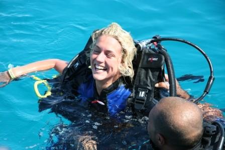 Vale al termine del proprio battesimo subacqueo...sembrerebbe le sia piaciuto! ;-)