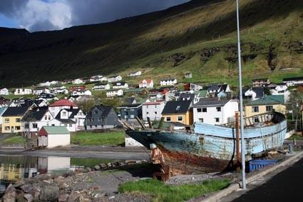 Am Hafen von Fuglafjördur (FO)