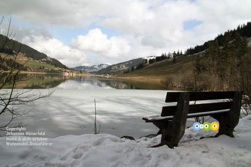 Schwarzsee im Frühling