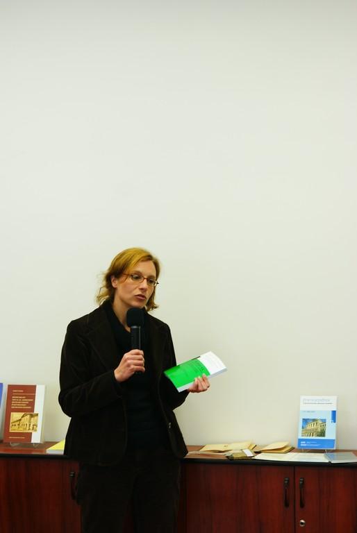 Dr. Anne Schloemer