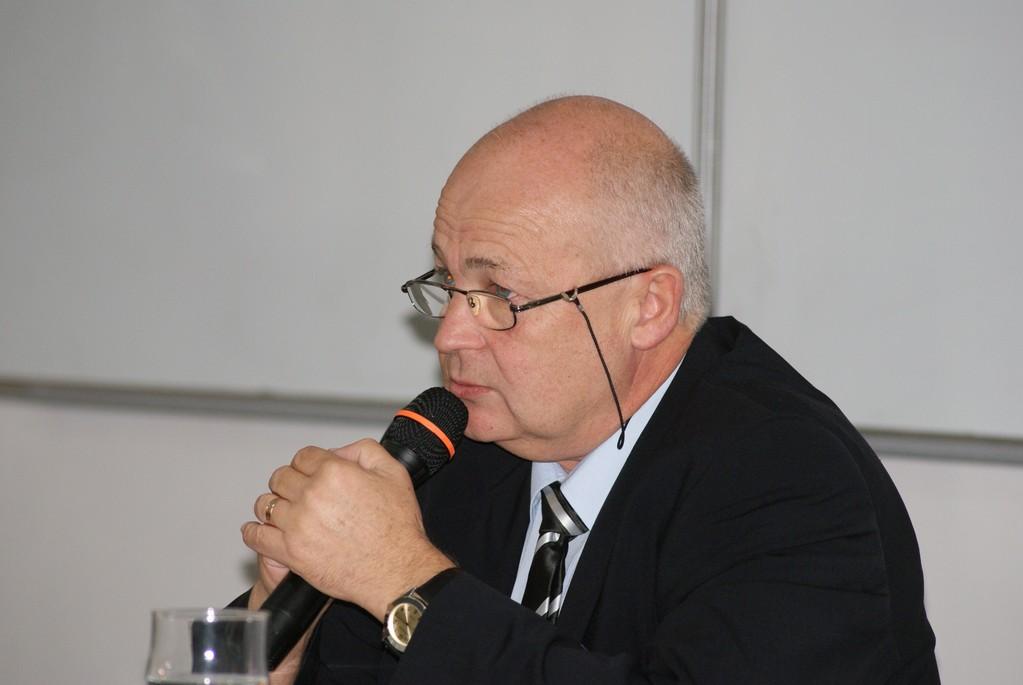 Prof. Dr. Rudolf Gräf, Leiter des IDLF