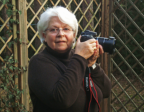Ramona Gardosch, Vorsitzende der Interessengemeinschaft - Fotogruppe Blende 8,   wird Mitglied des Kulturvereines Borkwalde