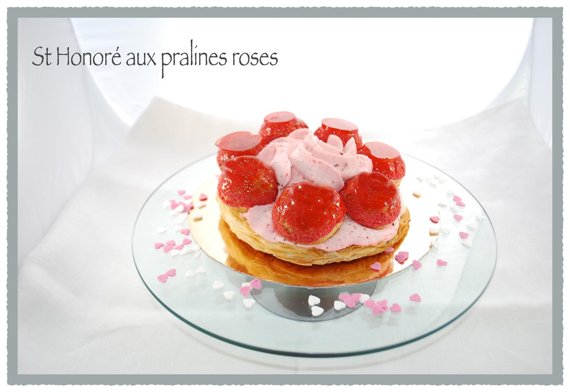 St Honoré spécial St Valentin à la chantilly aux pralines roses