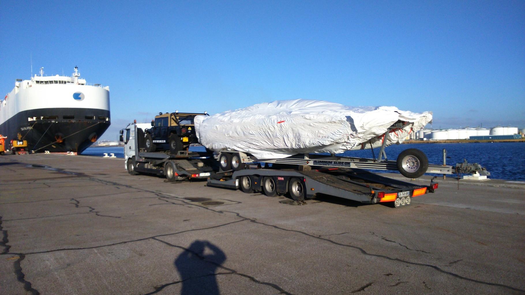 Transport d'un hummer pour l'export