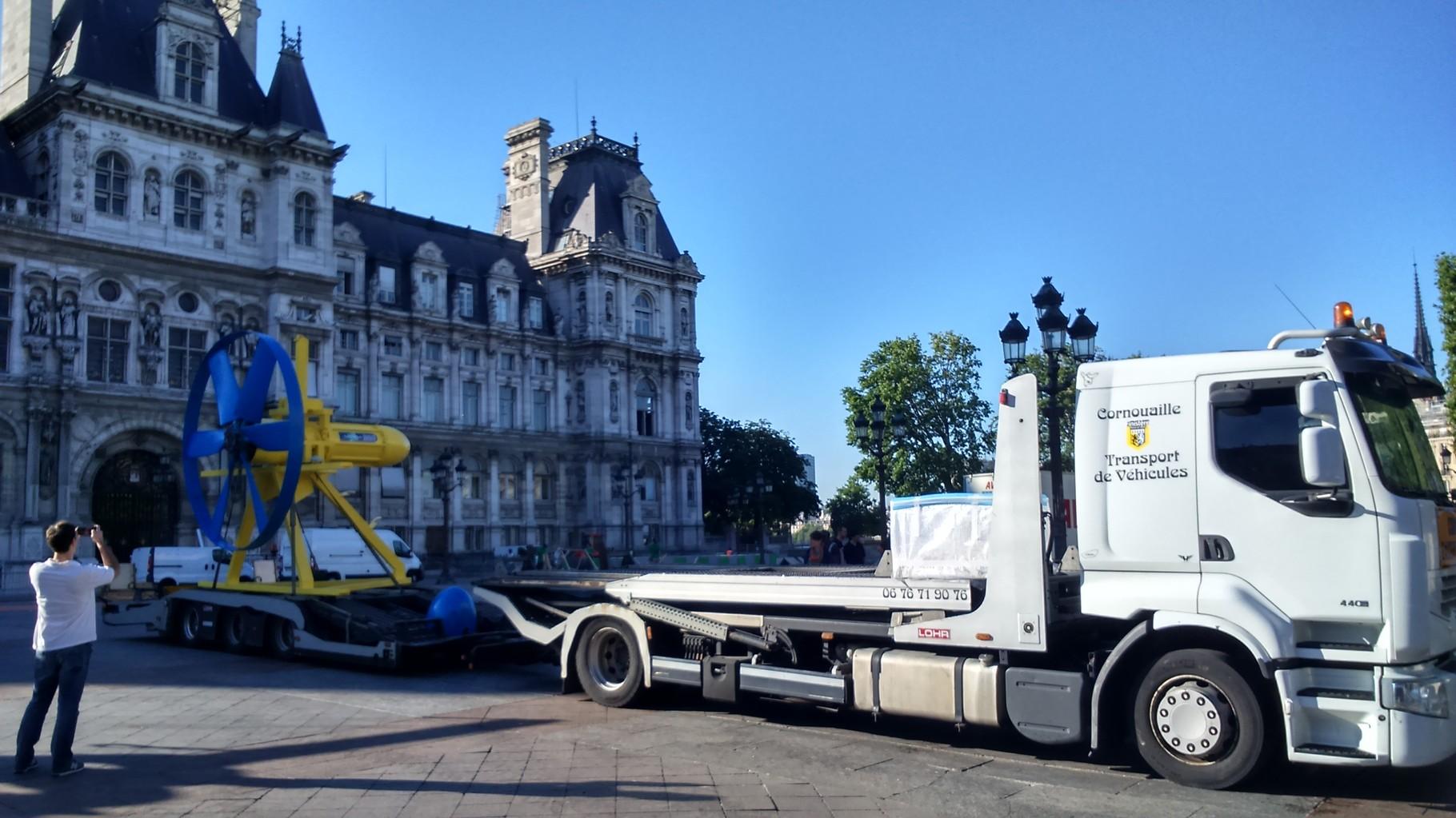 Transport d'une hydrolienne pour la Coop 21 de Paris