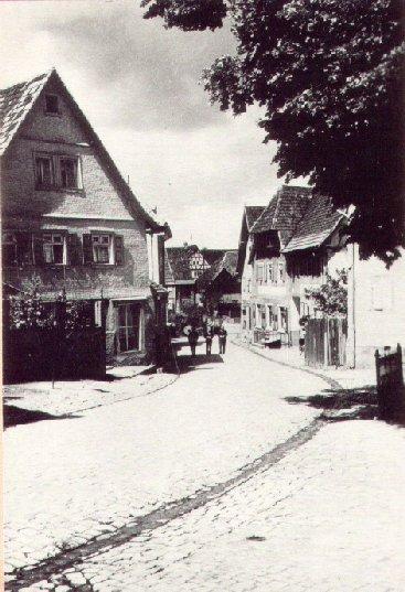 """Blick von der Hebelschule zum Gasthaus """"Löwen"""""""