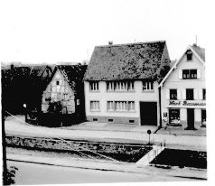 Elektro-Rubel, Zigarren Speck, Karl Baumann-Haus (ehemalige Reinigung Fertig), Waldprechtsstraße