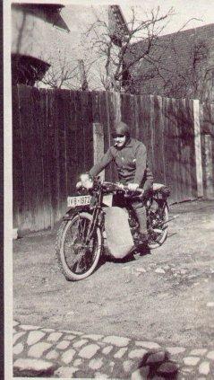 Motorradfahrer in den 20iger Jahren