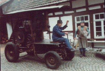 """Holzsäger Kastner """"Lappl"""" auf dem Anwesen Koch"""