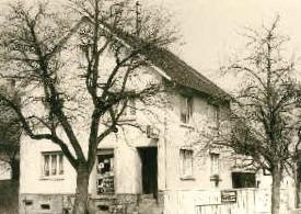 Geschäft in der damaligen Hauptstraße (jetzt Sézanner Straße)