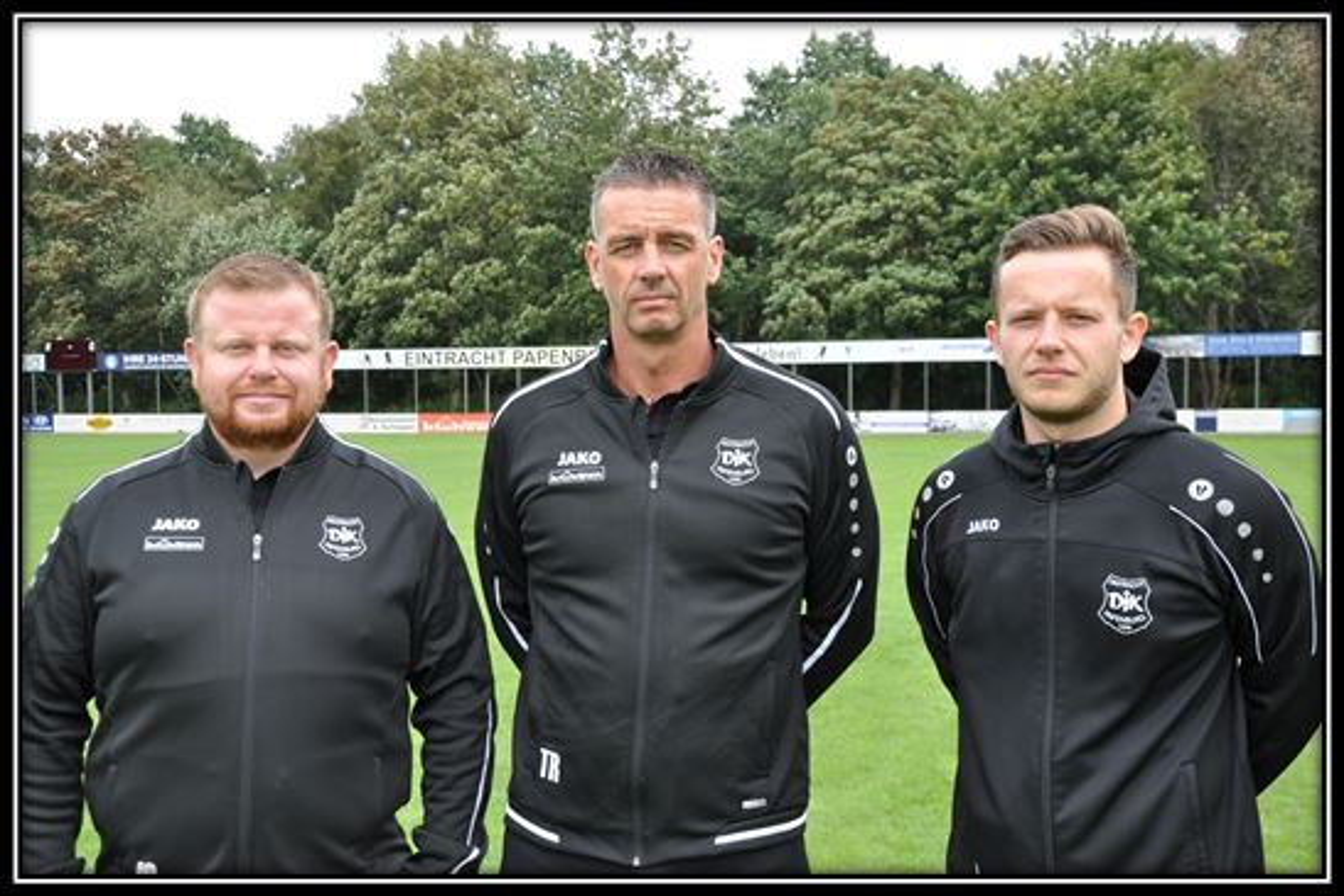 Fußballobmann Jens Schipmann, Trainer Thomas Dreesmann und Betreuer Markus Tammen