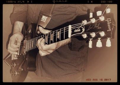 Gitarrenunterricht Neuhäuser in Leipzig, mit E-Gitarre