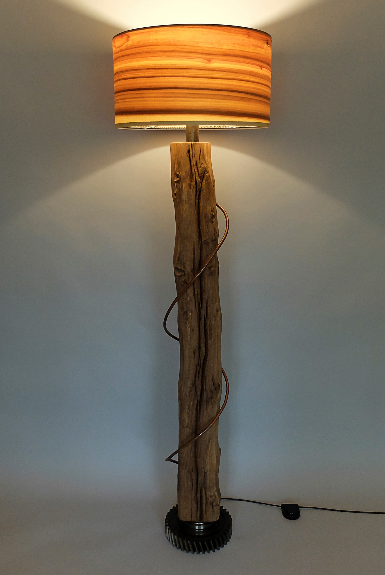 Upcycling Stehlampe Unum