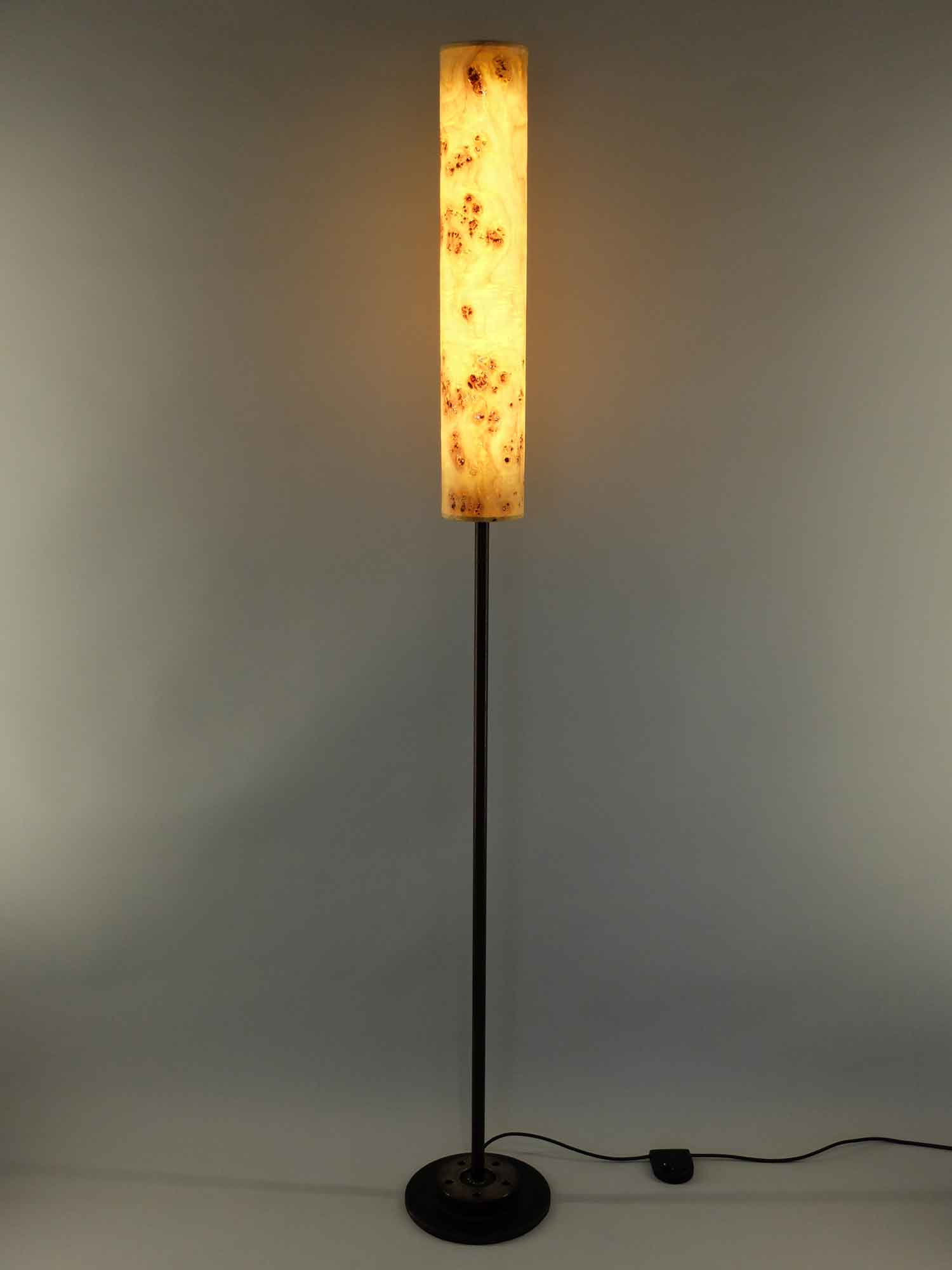 Upcycling Stehlampe Columna klein Pappel-Maser
