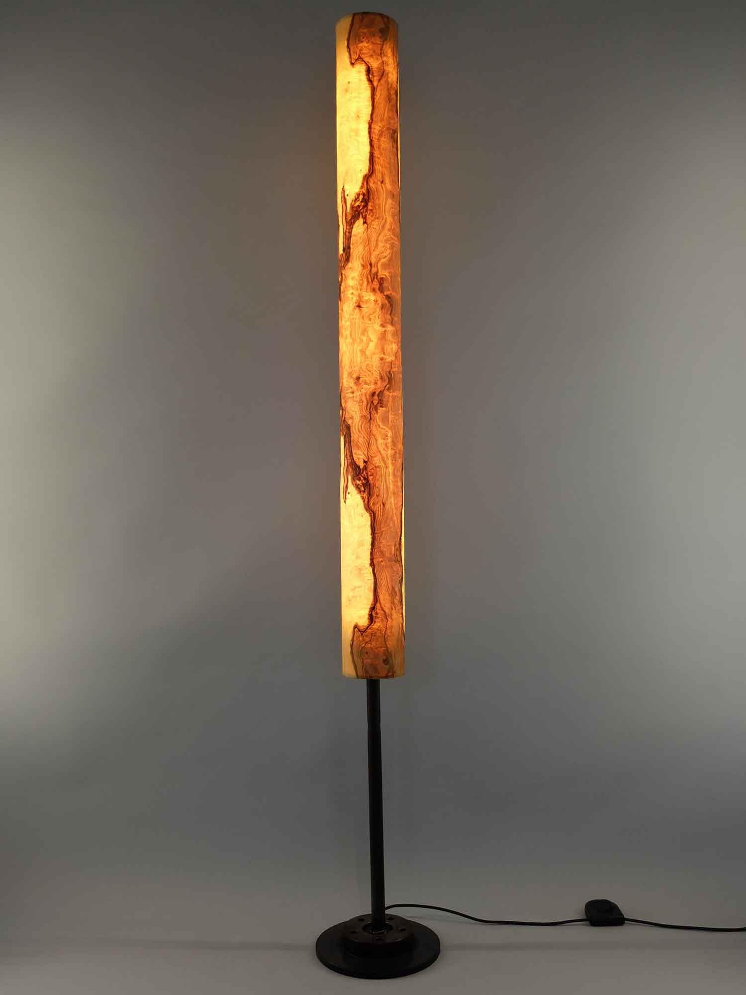 Upcycling Stehlampe Columna mittel Olivesche-Maser