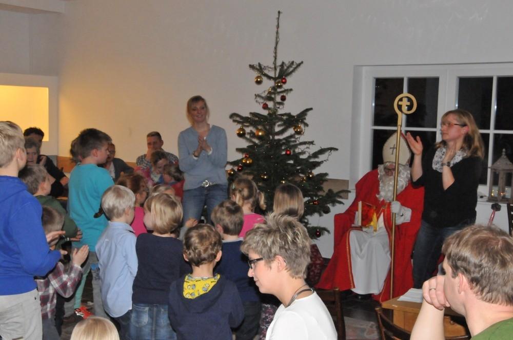 Für den Nikolaus wurde sogar getanzt