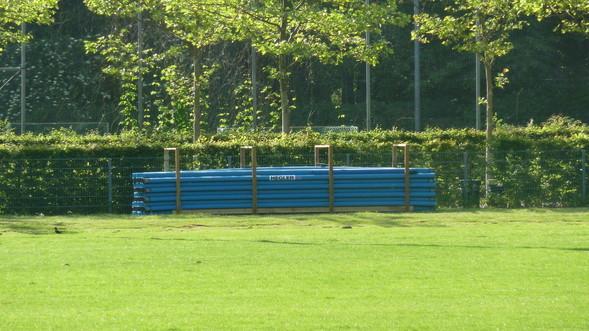 Sind bereits unter der Erde: die Rohre für die Drainage in der Rugby-Arena Stadtparkk
