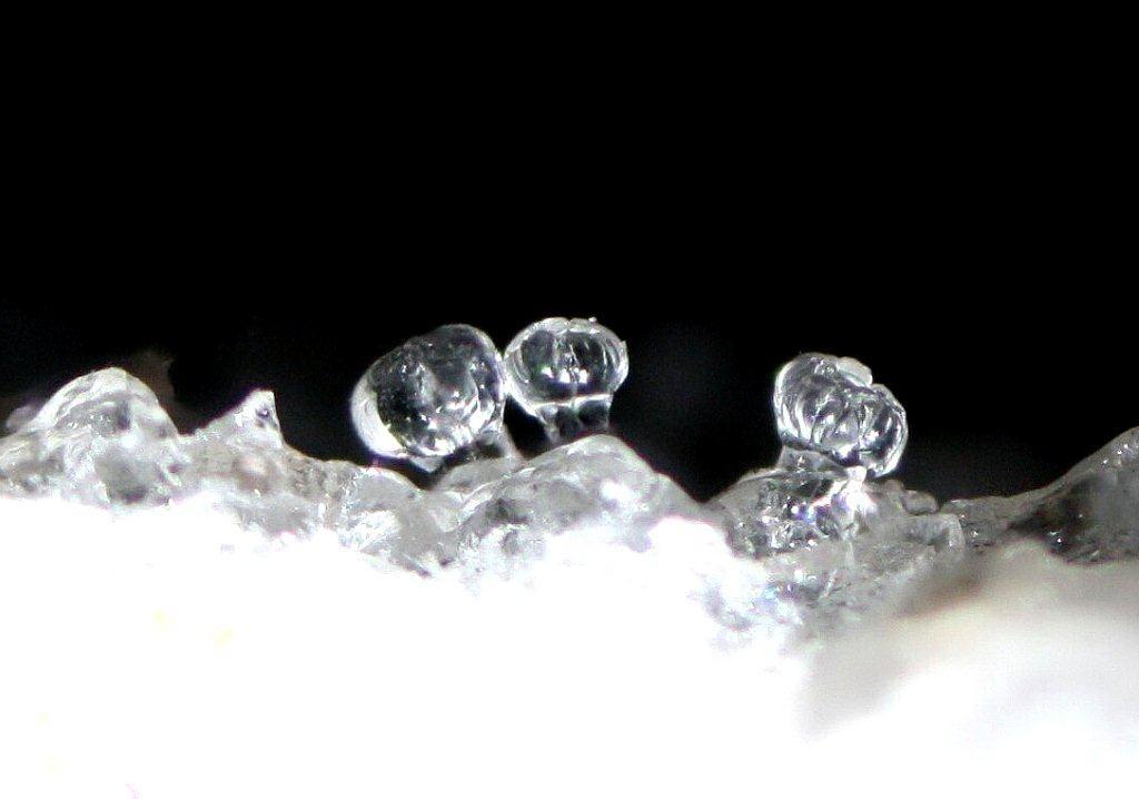 Hyalith; Lipari, Bildbreite 4 mm