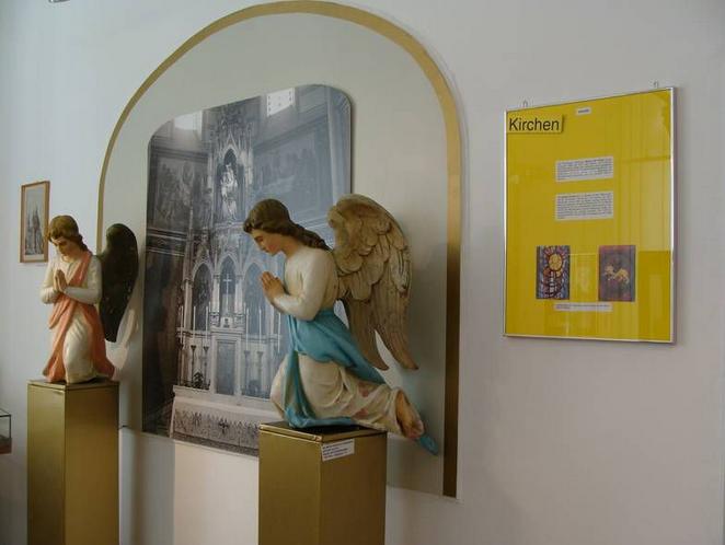 Engel aus der Kapelle des ehem. Elisabethspitals