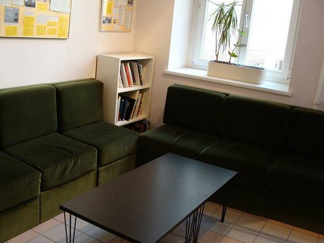 Sitzecke in der Bibliothek & Galerie 15