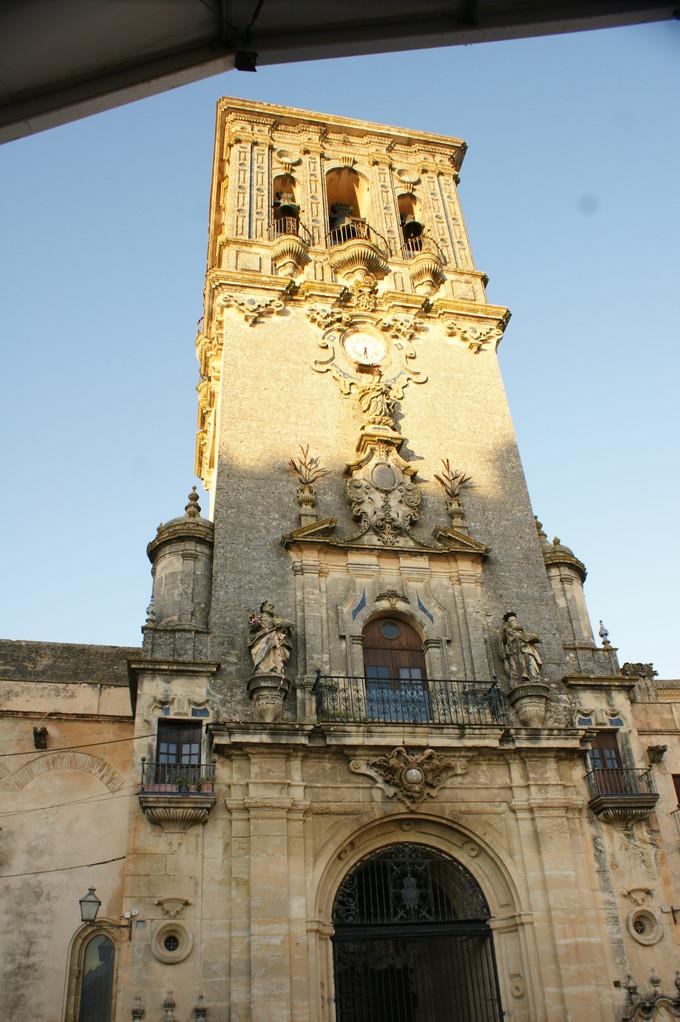 zuoberst die Kathedrale