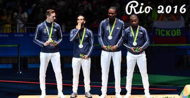 L'équipe de France Fleuret homme vice-championne olympique médaille d'argent