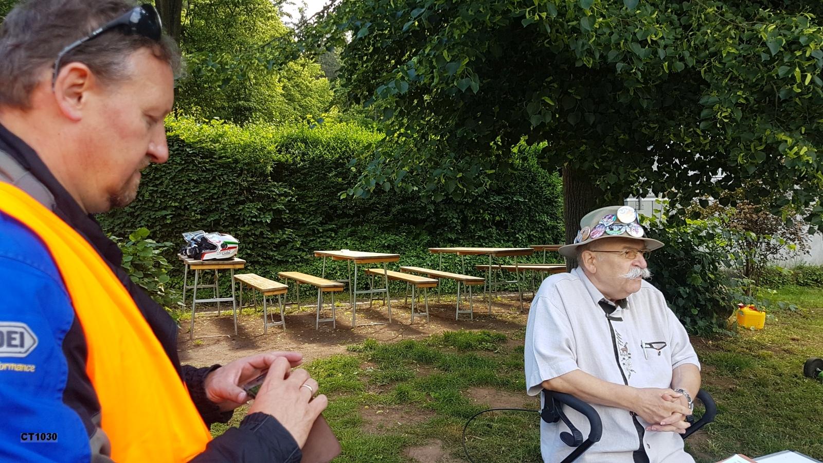 Herbert Hügenell erklärt die Pfalz mit Anekdoten und Geschichten