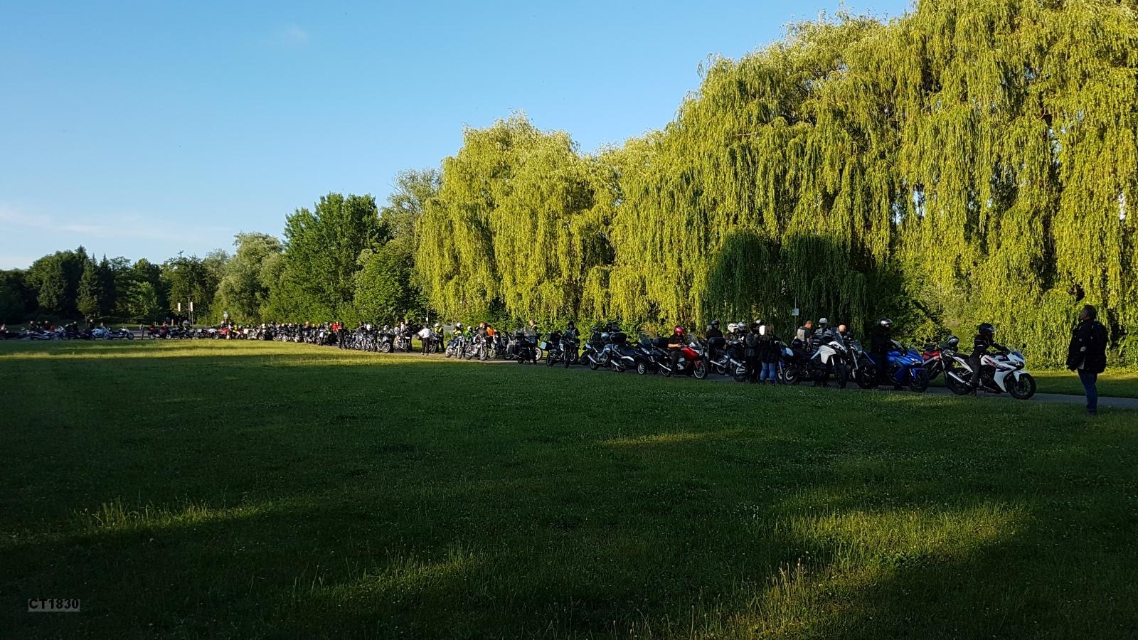 Kolping-Bikes auf dem Gondelplatz am Roxheimer Altrhein