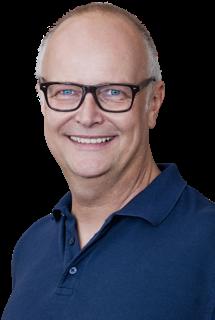 Dr. Ulrich Kröger qualifiziert für Implantat-Behandlungen