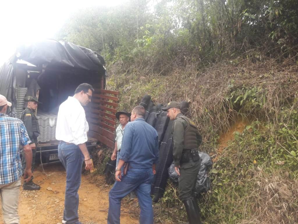 Gobernación de Santander y la Unidad para las Víctimas entregaron materiales en Riachuelo.
