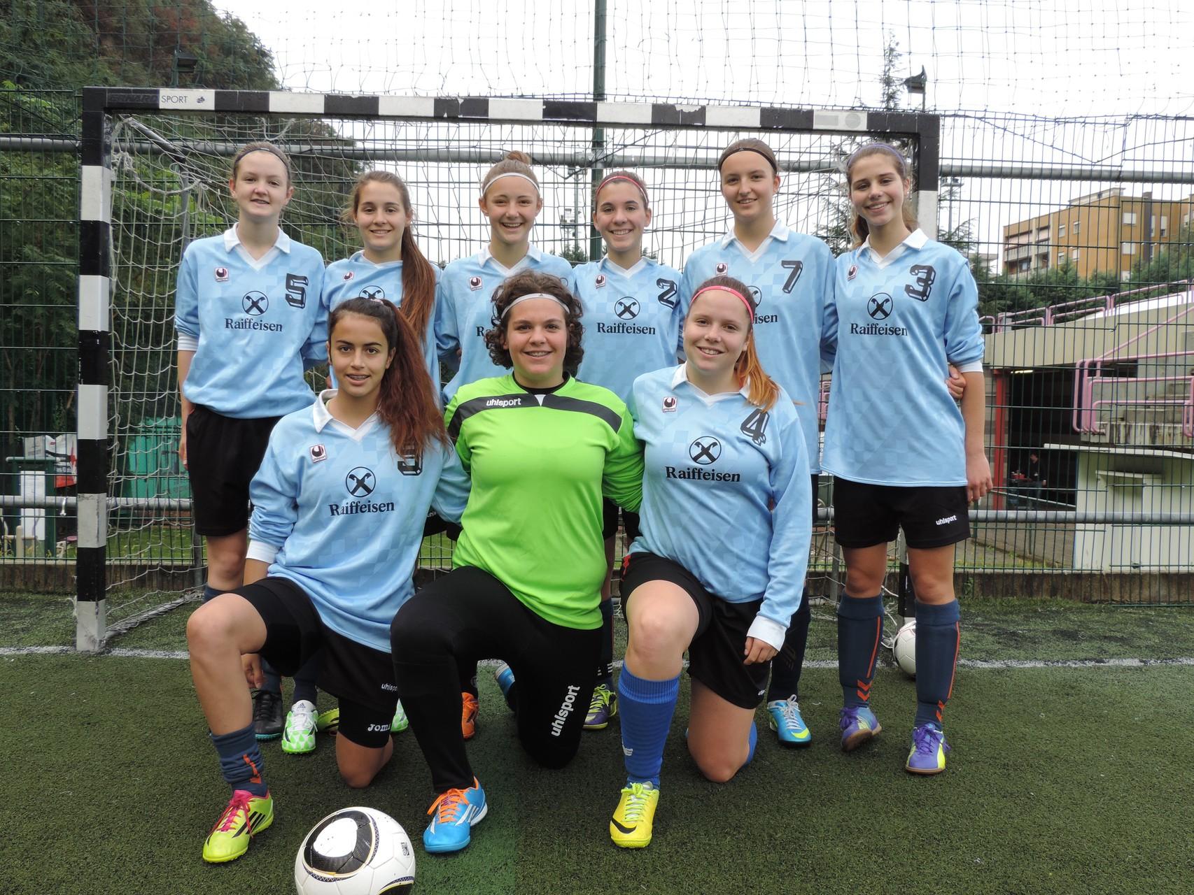 im Bild: Lisa, Flutra, Melli, Chrissi, Laura, Magdalena, Sara, Sonja, Kathi