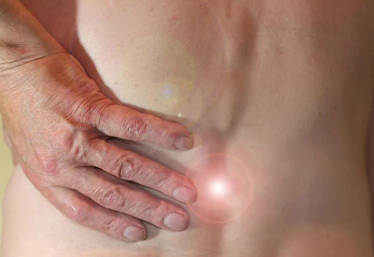 Rückenschmerzen - 80 % lassen sich klassisch behandeln