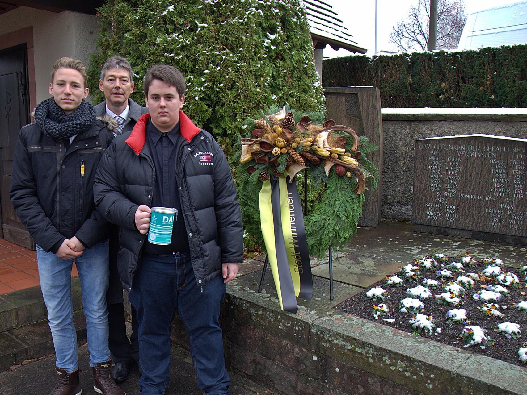 Gedenkfeier der Opfer von Krieg, Terror und Gewalt am Ehrenmal in Breuningsweiler