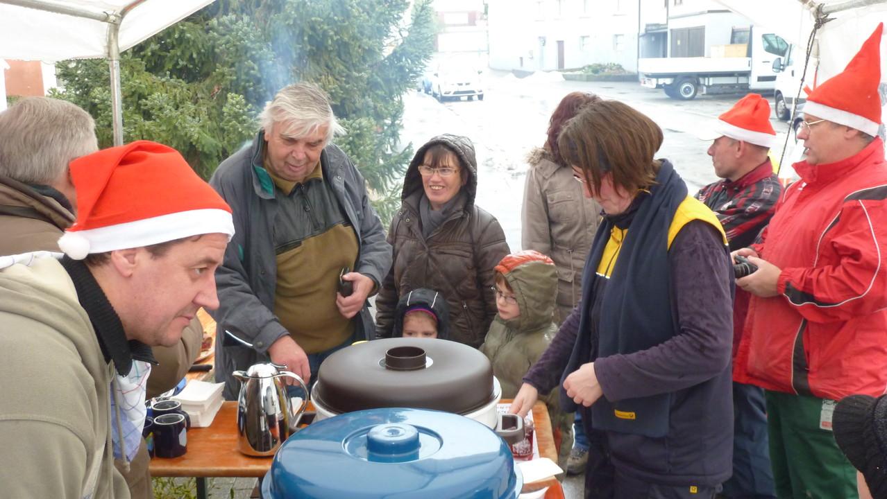 MGV verkaufte die schönsten Weihnachtsbäume in Breuningsweiler