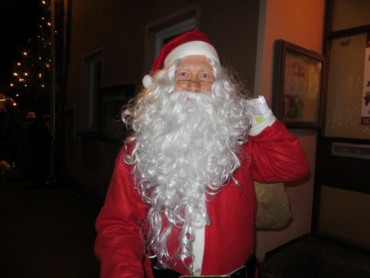 """""""Fröhliche Weihnacht überall"""" tönet durch die Lüfte, froher Schall !"""