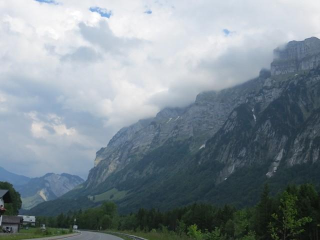 Langsam werden die Berge höher